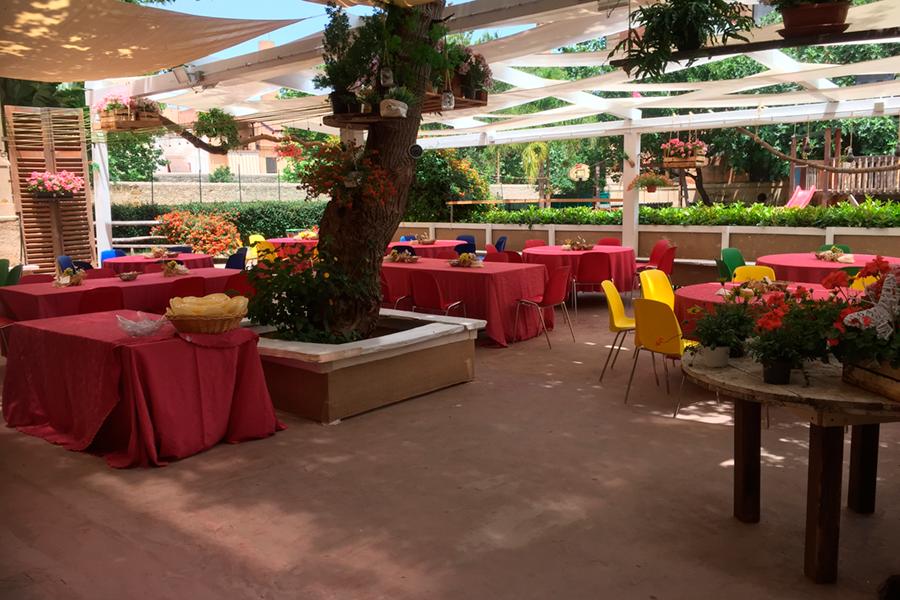 servizio tavoli giardino